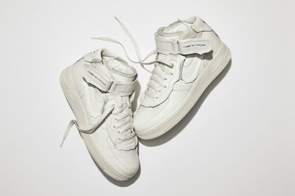 Global|「ナイキ」と「コム デ ギャルソン」が「Nike x COMME des GARÇONS Air Force 1 Mid」を発売